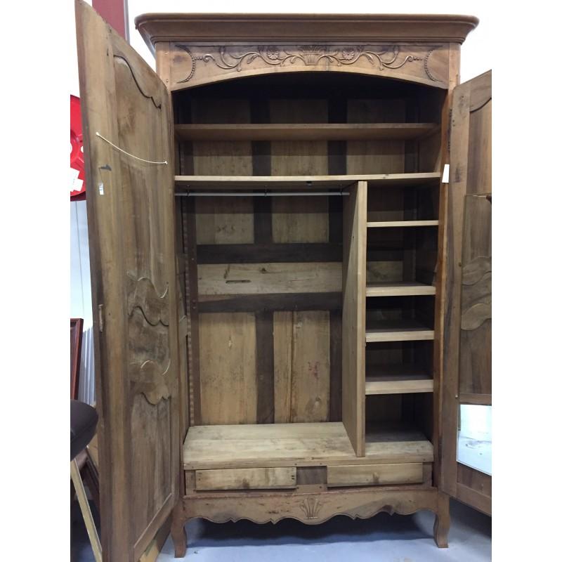 armoire ancienne 2 portes de style louis xv troc 3000 fr jus. Black Bedroom Furniture Sets. Home Design Ideas